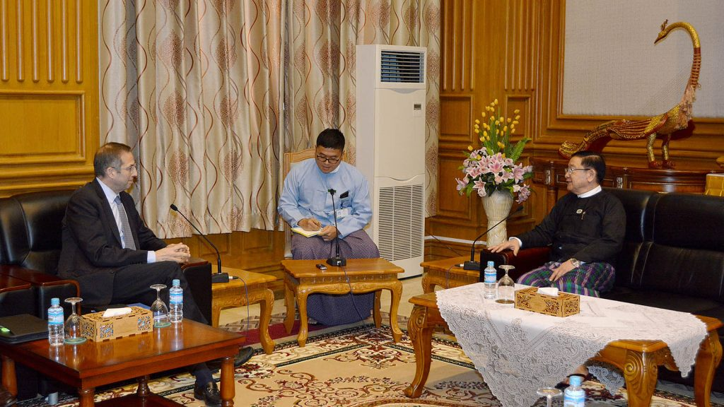 Pyithu Hluttaw Speaker U T Khun Myat meets with President of the National Democratic Institute (NDI) Mr Derek Mitchell in Nay Pyi Taw yesterday.Photo: MNA