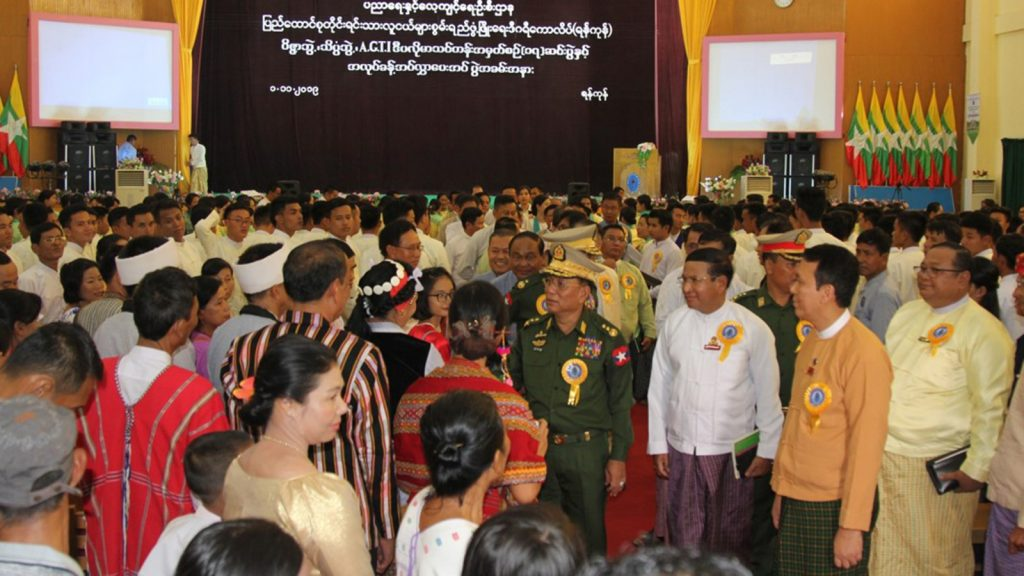Union Minister Lt-Gen Ye Aung greets the graduates and family members at the Graduation ceremony of arts and science degree and A.G.T.I. diploma course 17 in the convocation guest hall in Yangon.Photo: MNA