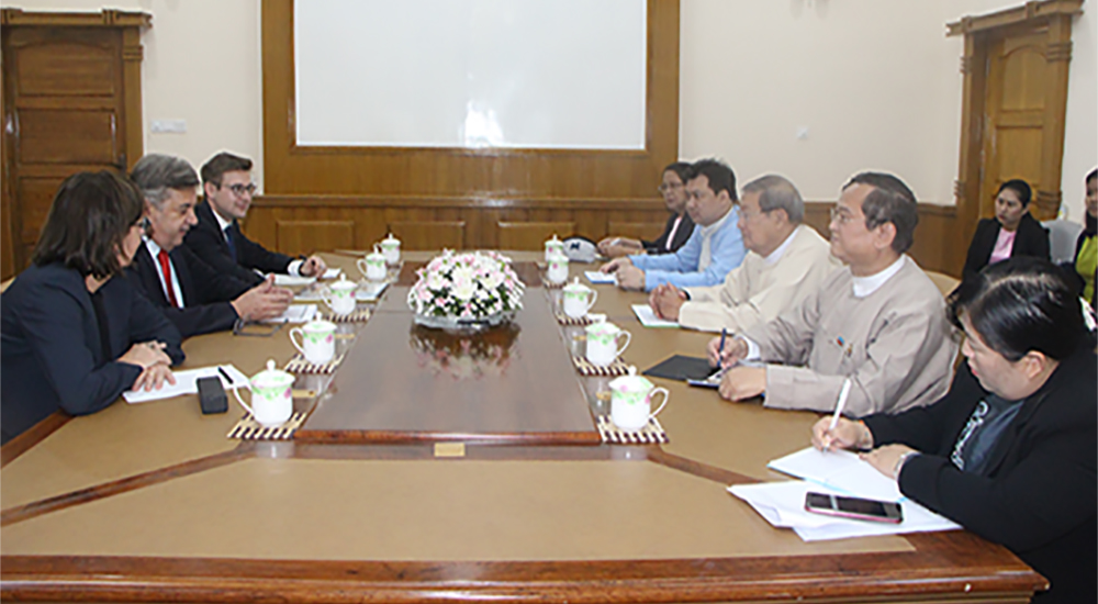 Union Minister U Soe Win holds talks with a delegation led by German Ambassador Mr Thomas Karl Neisinger at the Ministry of Planning, Finance and Industry in Nay Pyi Taw yesterday.Photo: MNA