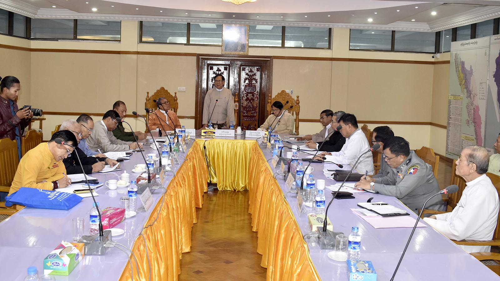 Amyotha Hluttaw Deputy Speaker U Aye Tha Aung delivers the speech during the meeting with officials from Rakhine State government.Photo: MNA