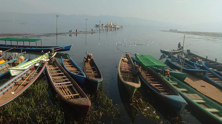 Tourists visited in Indawgyi lake like enjoying boat tour.photo: win naing (Kachinmyay)