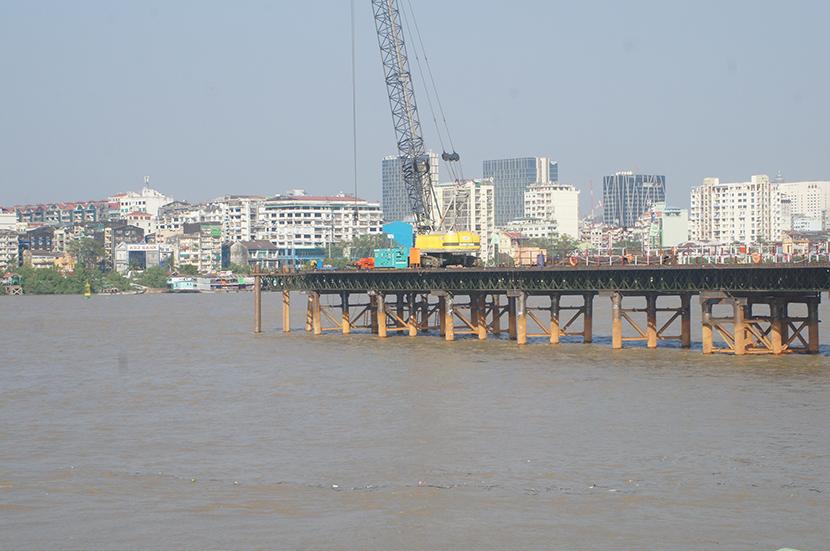 The view of the Yangon-Dala bridge or Korea-Myanmar Friendship Bridge which is under construction.  Photo: Naing Lin Kyaw (Dala)