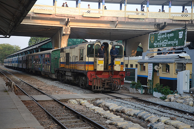 A locomotive pulling into Yangon Central Railway Station. Photo: Phoe Khwar