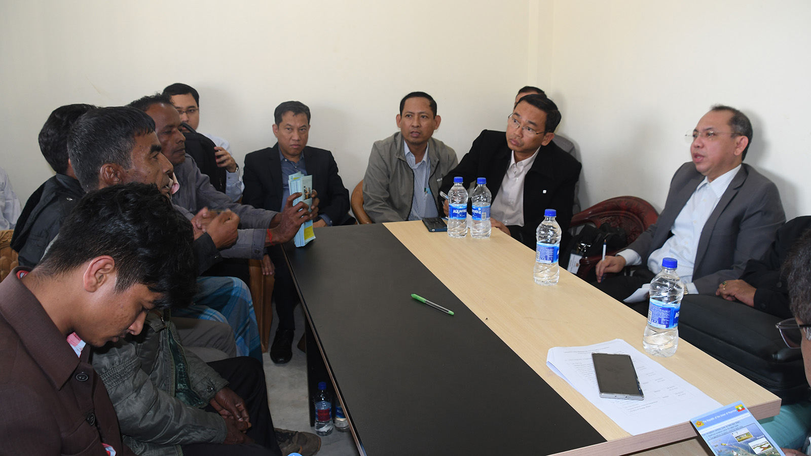The Myanmar Delegation briefs the displaced persons of Hindu Faith on Government's efforts on repatriation process at the extension of Camp No 4 in Cox's Bazar. Photo: MNA