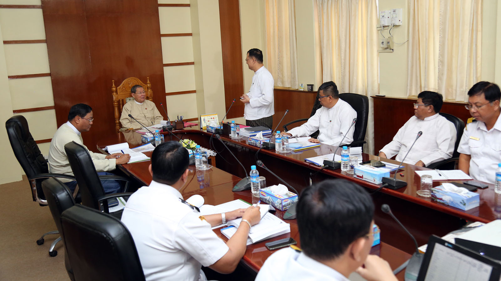 Union Minister for Planning, Finance and Industry U Soe Win holds a meeting with officials from the Customs House on Strand Road in downtown Yangon yesterday.Photo: MNA