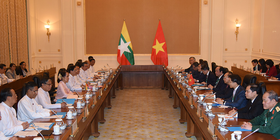 State Counsellor Daw Aung San Suu Kyi and Prime Minister Nguyen Xuan Phuc of the Socialist Republic of Viet Nam attend the  senior-level meeting of the two countries.Photo: MNA