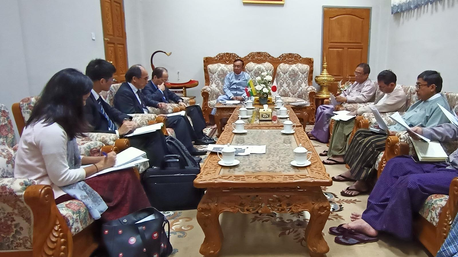Union Minister U Han Zaw meets with Japanese Ambassador Mr Ichiro Maruyama in Nay Pyi Taw yesterday.Photo: MNA