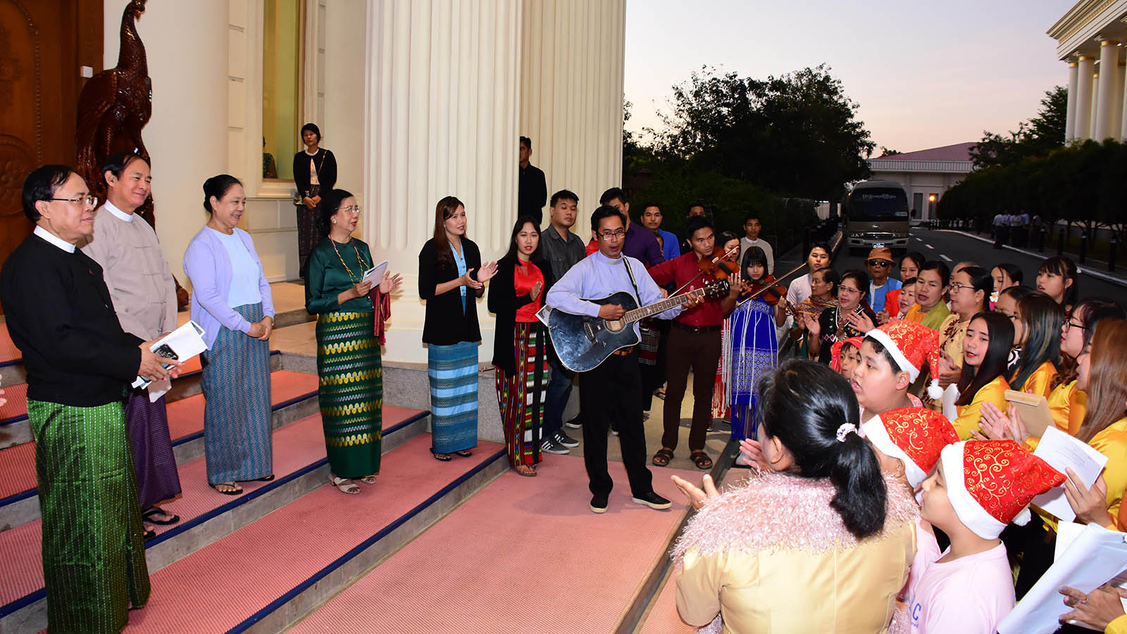 Pre-Christmas and prayers singing Christmas songs for President U Win Myint, First Lady Daw Cho Cho and family at the Presidential Palace in Nay Pyi Taw yesterday. Photo: MNA