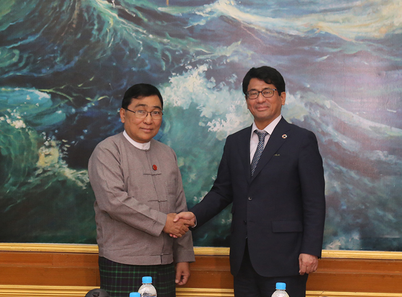 Union Minister Dr Win Myat Aye receives Mr Atsushi Koresawa, the Director for UN-Habitat Regional Office for Asia and the Pacific in Nay Pyi Taw yesterday.Photo: MNA
