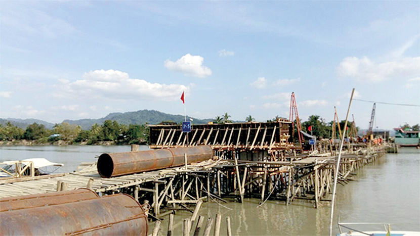 Photo taken on 25 December 2017 shows construction site of Saitin Bridge on the Rathedaung-Buthidaung Road.Photo: Myint Maung Soe