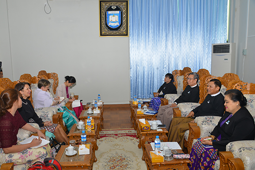 Union Attorney-General U Tun Tun Oo meets with a delegation led by UN Secretary General's Special Envoy on Myanmar Ms Christine Schraner Burgener in Nay Pyi Taw yesterday.Photo: MNA