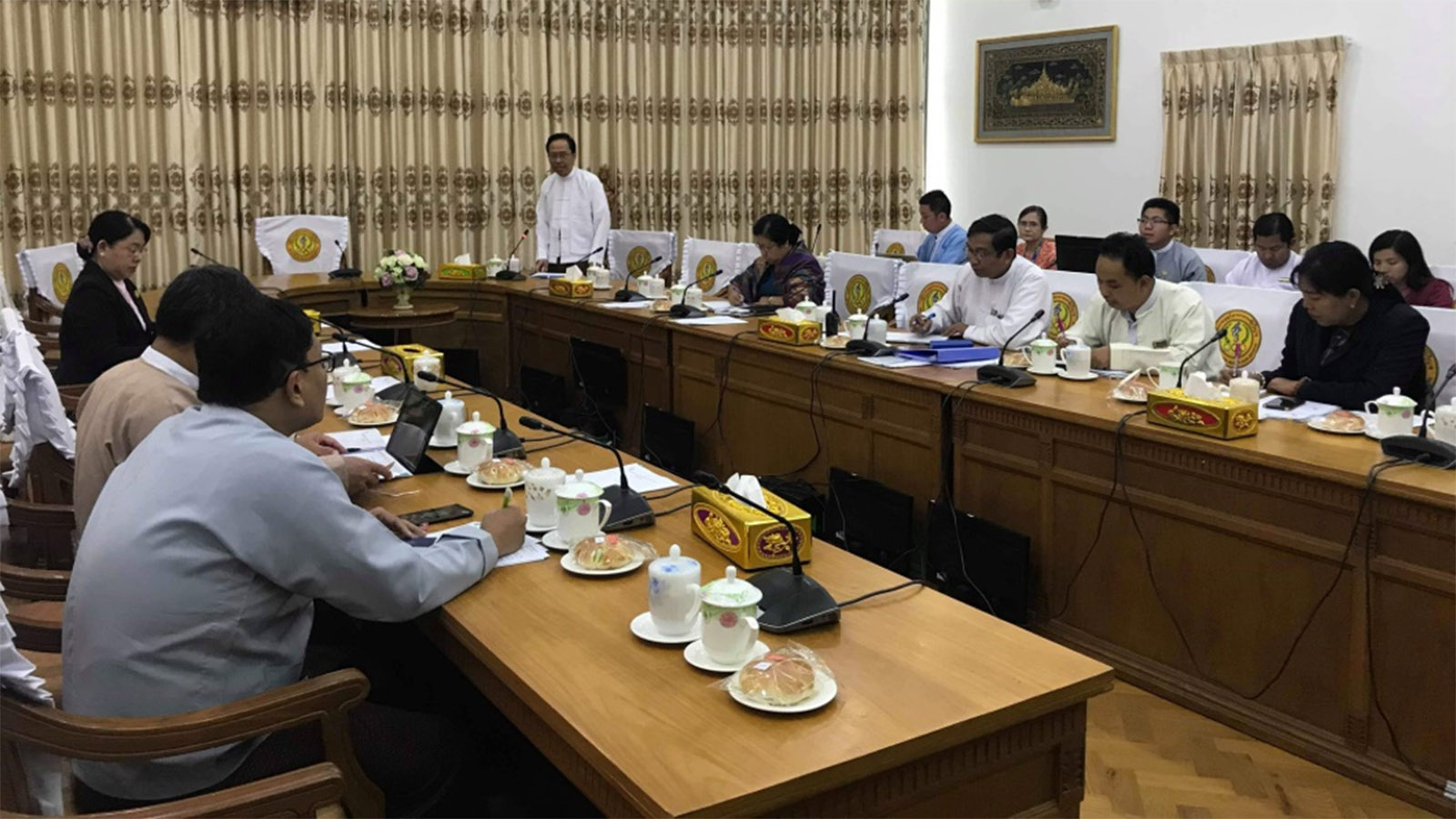 Permanent Secretary Dr Thet Khaing Win delivers the speech at the meeting concerned with the prevention of 2019 Novel Coronavirus (2019-nCoV) at the Ministry of Health and Sports on 8 January 2020. Photo: MNA