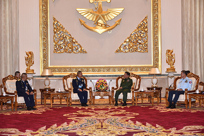 Senior General Min Aung Hlaing meets with Air Chief Marshal Manat Wongwat, Commander-in-Chief of Royal Thai Air Force, in Nay Pyi Taw yesterday. Photo: Office of the C-in-c of defence services