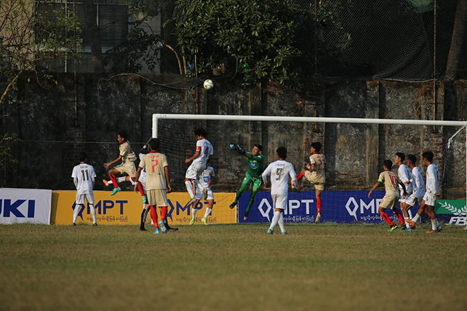 The players of Ayeyawady United F.C. and Shan United F.C. vie for the ball in the Week-1 of the MPT Myanmar National League Youth (U-19) 2020 at the Salin Stadium on 14 January.  Photo: MNL