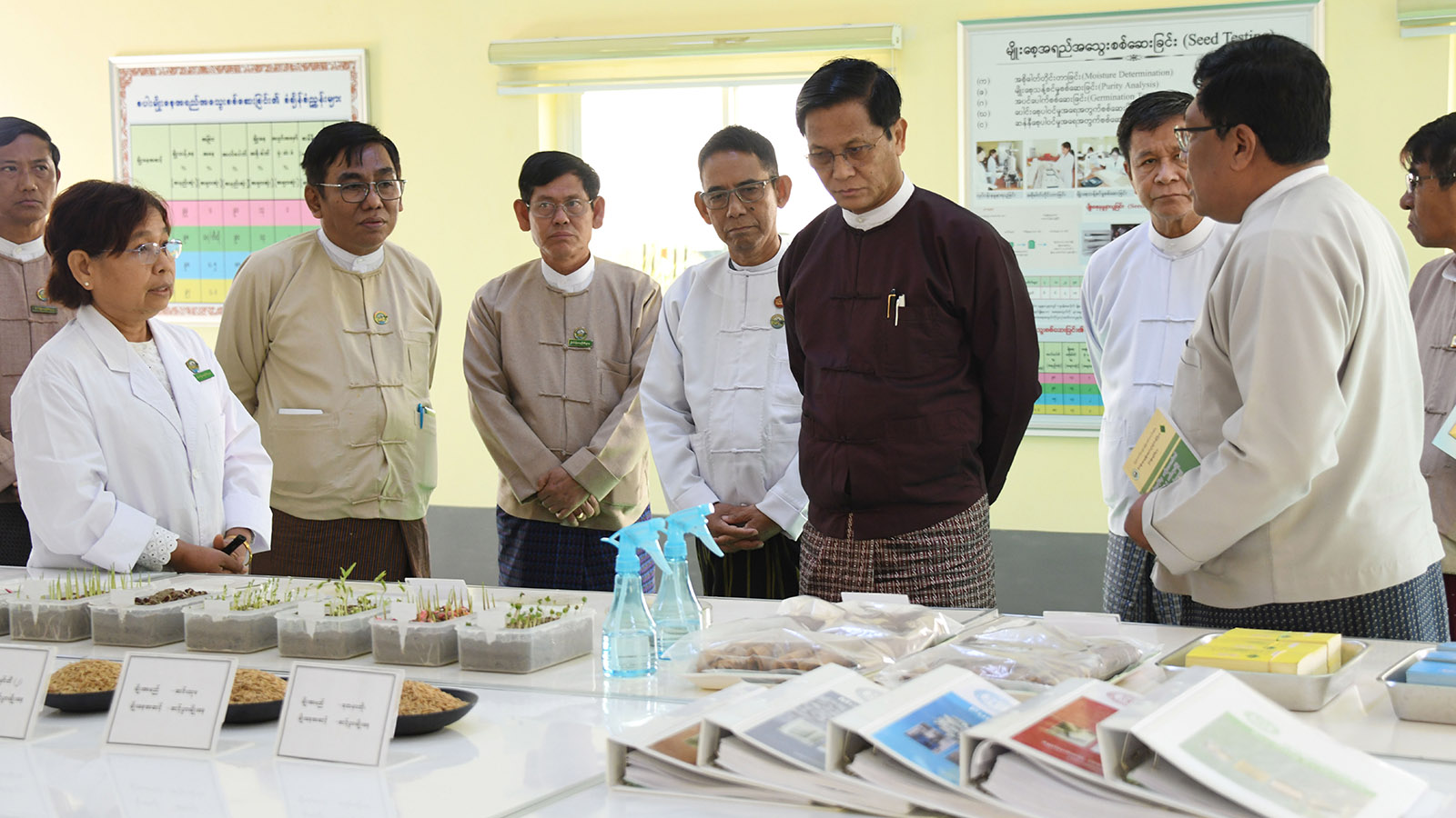 Vice President U Henry Van Thio visits the exhibition at the '2020 Seed Fair' at the State Agricultural Institute in Nay Pyi Taw yesterday. Photo: MNA