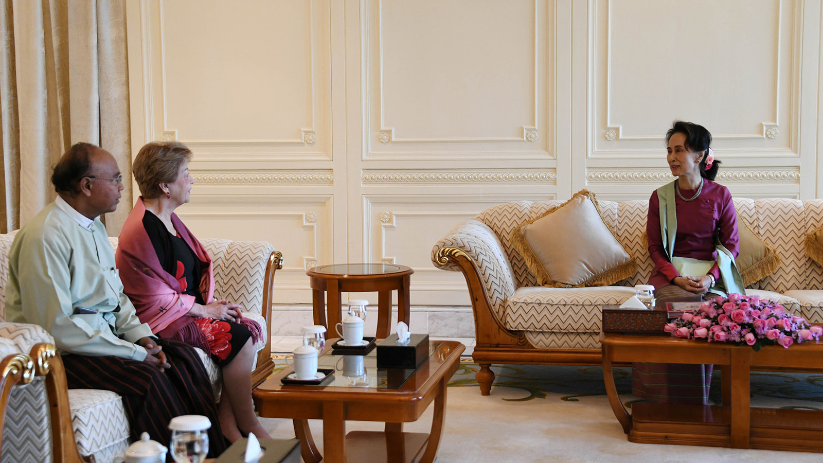 State Counsellor Daw Aung San Suu Kyi meets with Independent Commission of Enquiry Chairperson Ambassador Rosario Manalo and party in Nay Pyi Taw yesterday.Photo: MNA