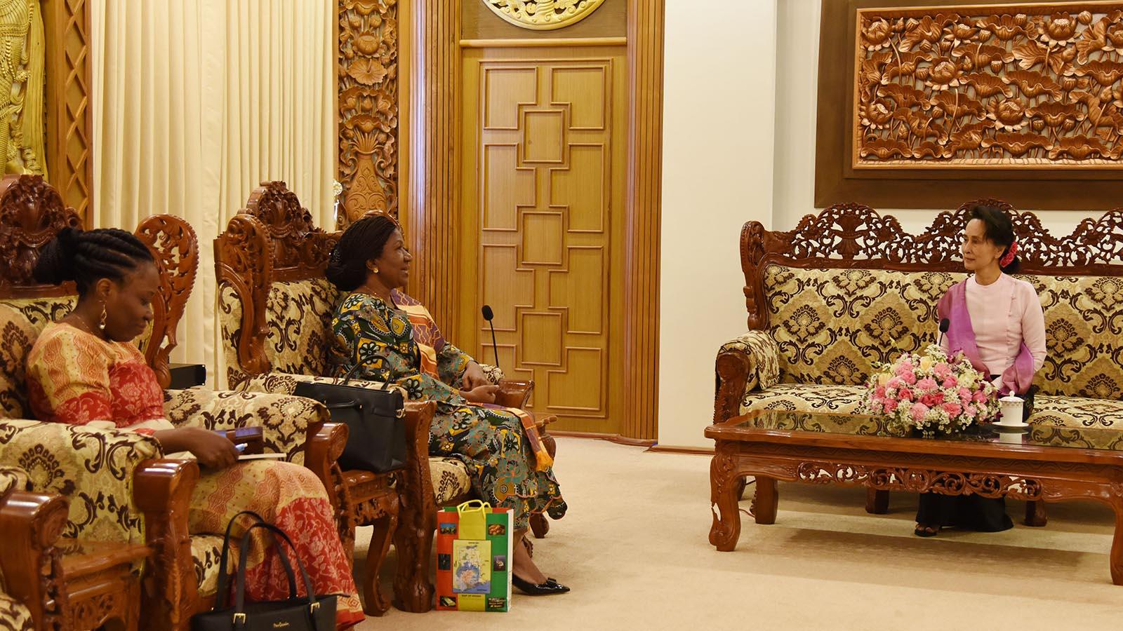 State Counsellor Daw Aung San Suu Kyi meets with Ambassador of the Republic of Ghana Ms Akua Sekyiwa Ahenkora in Nay Pyi Taw, on 7 January 2020.Photo: MNA