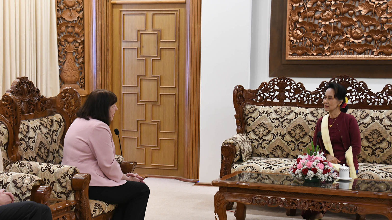 State Counsellor Daw Aung San Suu Kyi meets with the Special Representative of the UN Secretary-General for Children and Armed Conflict Ms Virginia Gamba, at the Ministry of Foreign Affairs in Nay Pyi Taw. Photo: MNA