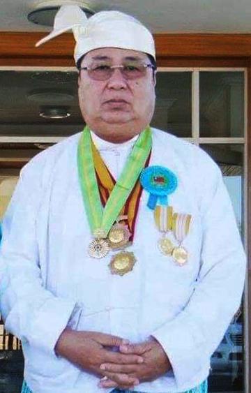 Wunna Kyaw Htin Dr Khin Shwe.