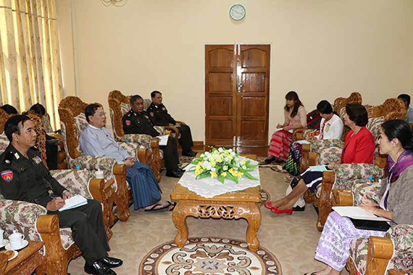 Union Minister U Thein Swe meets with a delegation led by Mrs Christine Schraner Burgener, Special Envoy of the UN Secretary-General, in Nay Pyi Taw on 29 January. Photo: MNA