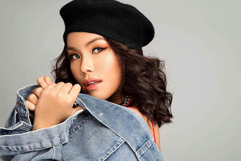 Singer Ni Ni Khin Zaw.