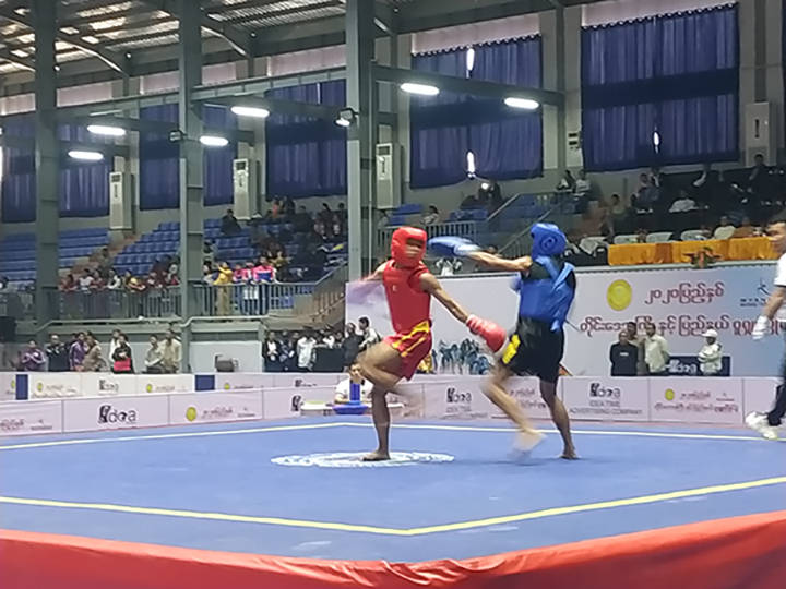 The 2020 Regions and States Wushu competition is in progress at the the Mandalar Thiri Stadium in Mandalay on 14 January. Photo: Tin Maung (Man Sub-Printing House)