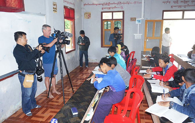 Local, foreign media gather news in Buthidaung