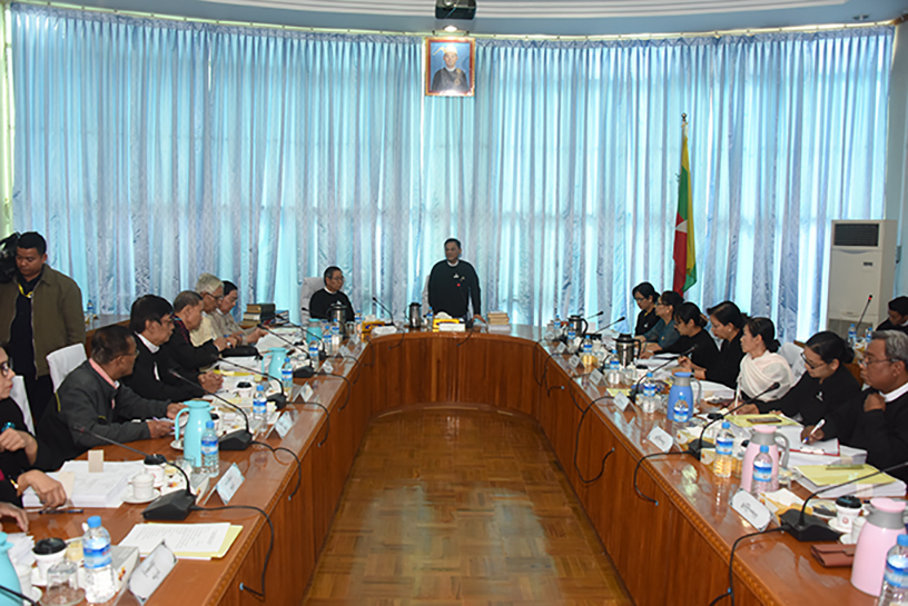 Union Attorney-General U Tun Tun Oo delivers the speech at the sixth meeting of Legal Translation Commission at the office of the Union Attorney-General.Photo: MNA