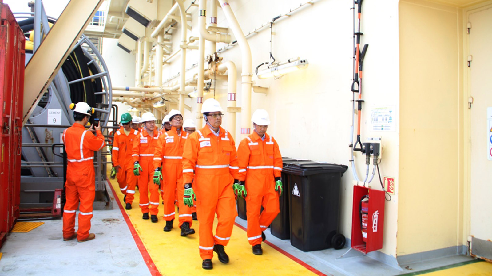 Union Minister U Win Khaing inspects the test drill Mahar (1) at the Block A-3 of Myanmar west offshore in Rakhine State. Photo: MNA