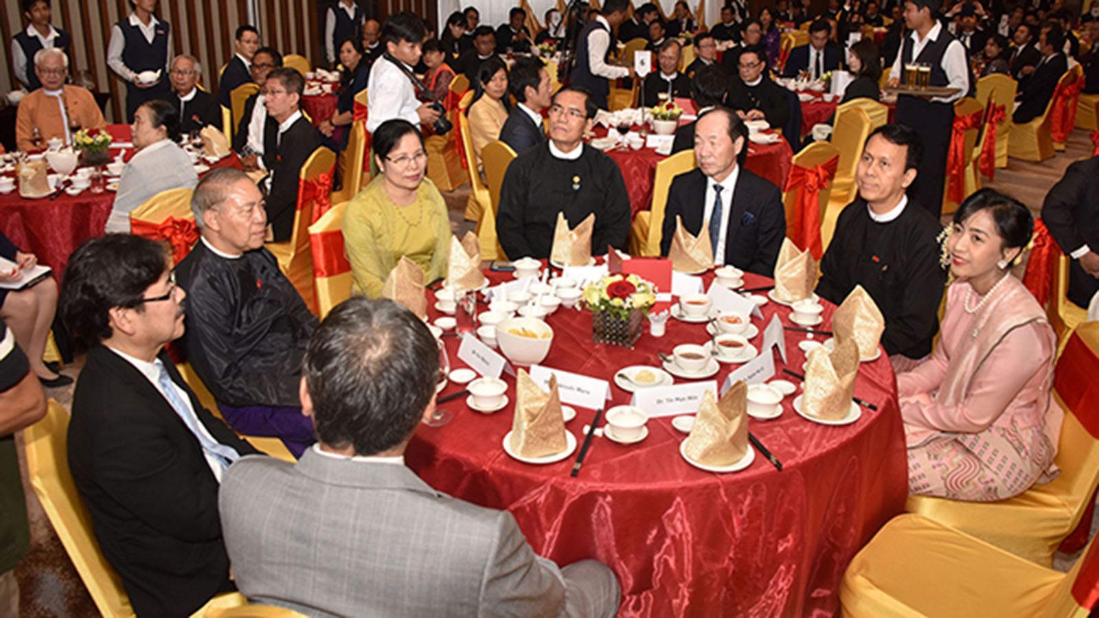 Yangon Region Chief Minister U Phyo Min Thein, Deputy Minister U Aung Hla Tun and dignitaries attend the Pre-Event Reception for Japan Myanmar Festival 2020. Photo : MNA