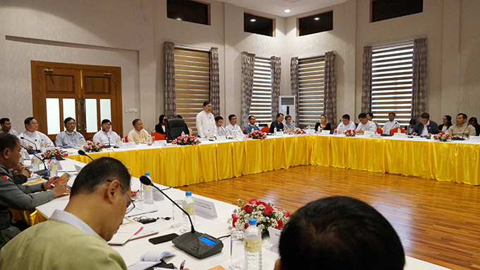 Union Minister U Thein Swe attends the workshop on effectively dealing with forced labour complaints under the National Complaints Mechanism in Nay Pyi Taw yesterday. Photo: MNA