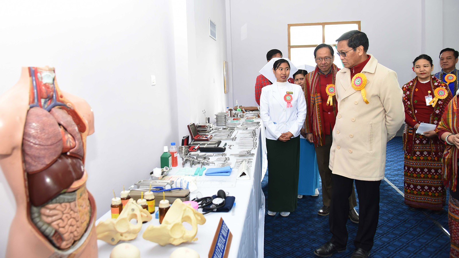 Vice President U Henry Van Thio visits the Midwifery Training School in Hakha yesterday.  Photo: MNA