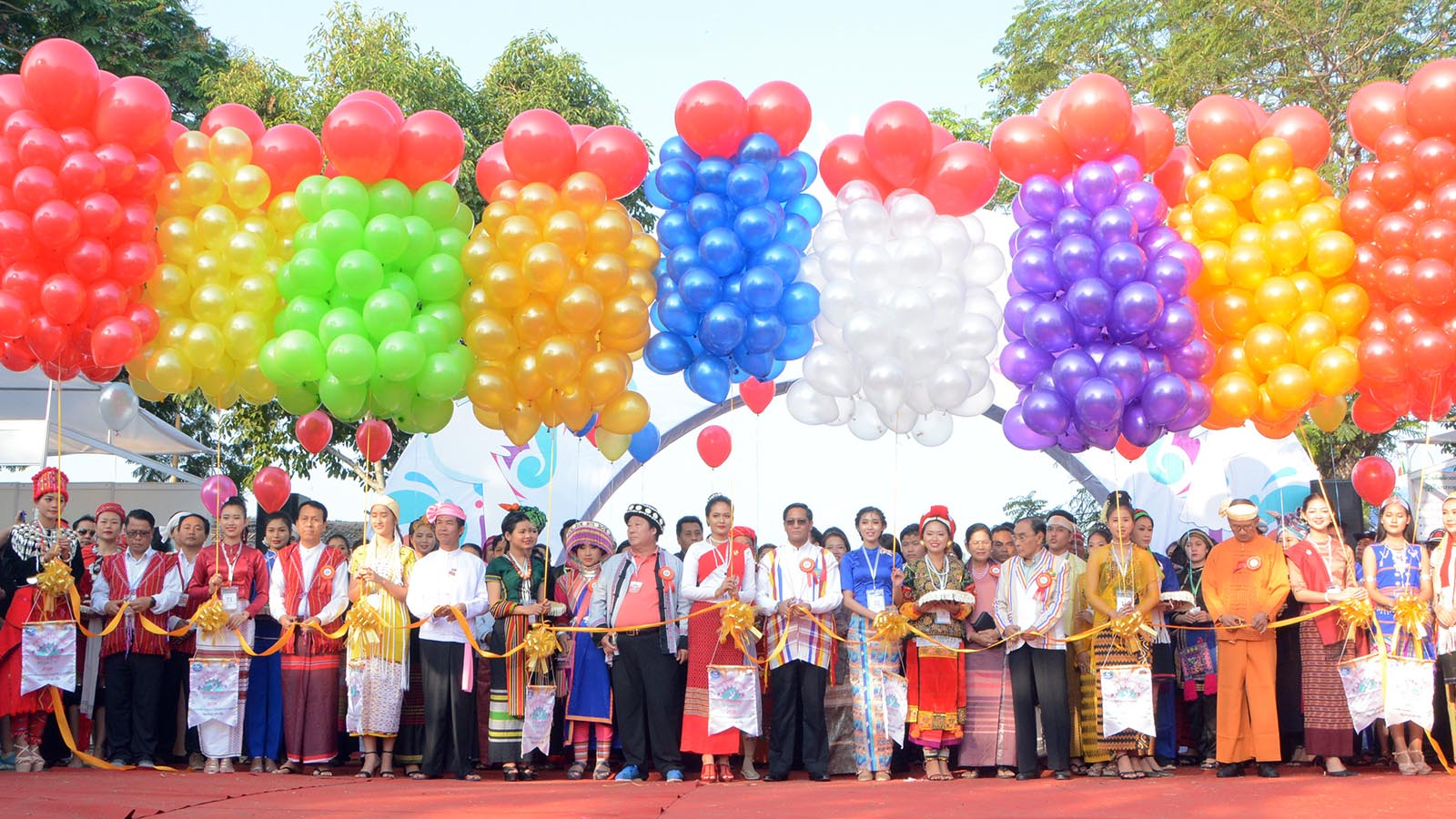 Vice President U Henry Van Thio, Union Ministers,  Ministers and officials open the Ethnics Cultural Festival at the Kyaikasan Grounds in Yangon yesterday. Photo: MNA