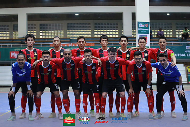 Victoria University College Futsal Club seen before the Myanmar Futsal League match. Photo: MFF Futsal