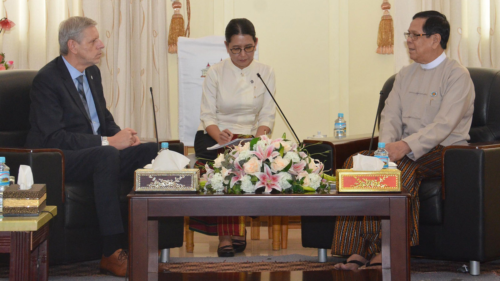 Amyotha Hluttaw Deputy Speaker U Aye Tha Aung meets with Mr Jan Hornik, Vice President of the Czech Republic's Senate, in Nay Pyi Taw yesterday.Photo: MNA