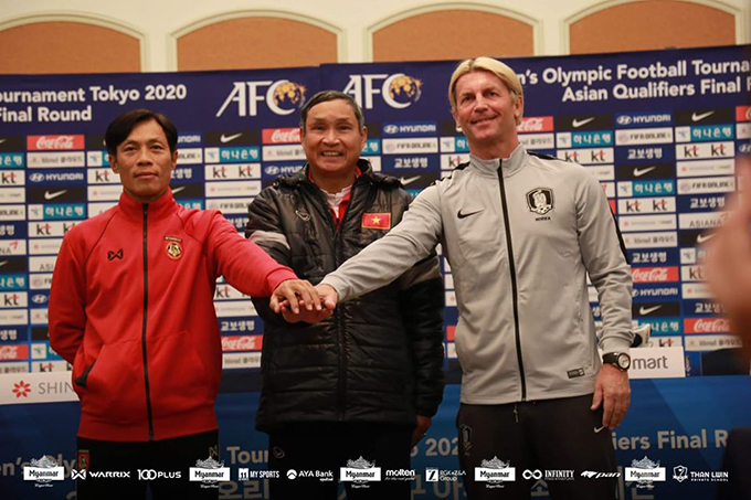 Team Myanmar assistant coach U Khin Maung Htwe (L), Viet Nam head coach Mai Dau Chung (M), and South Korea head coach Colin Bell seen at a press conference ahead of the Olympics Qualifiers in South Korea.Photo: MFF