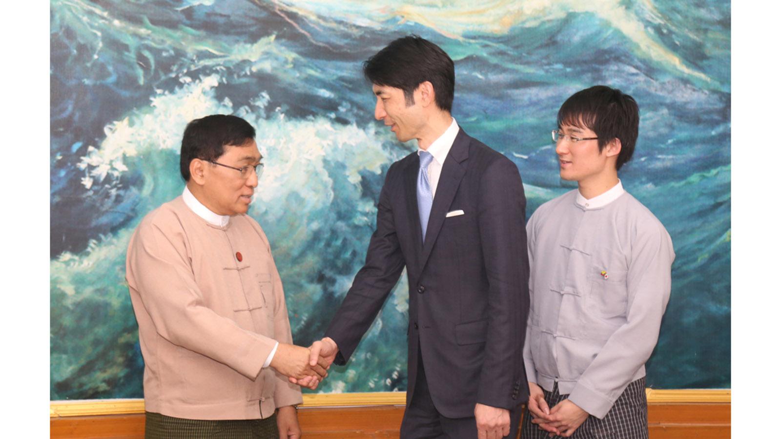 Union Minister Dr Win Myat Aye meets with Fureasu Co., Ltd. CEO Mr Taku Sawanobori in Nay Pyi Taw yesterday.Photo: MNA