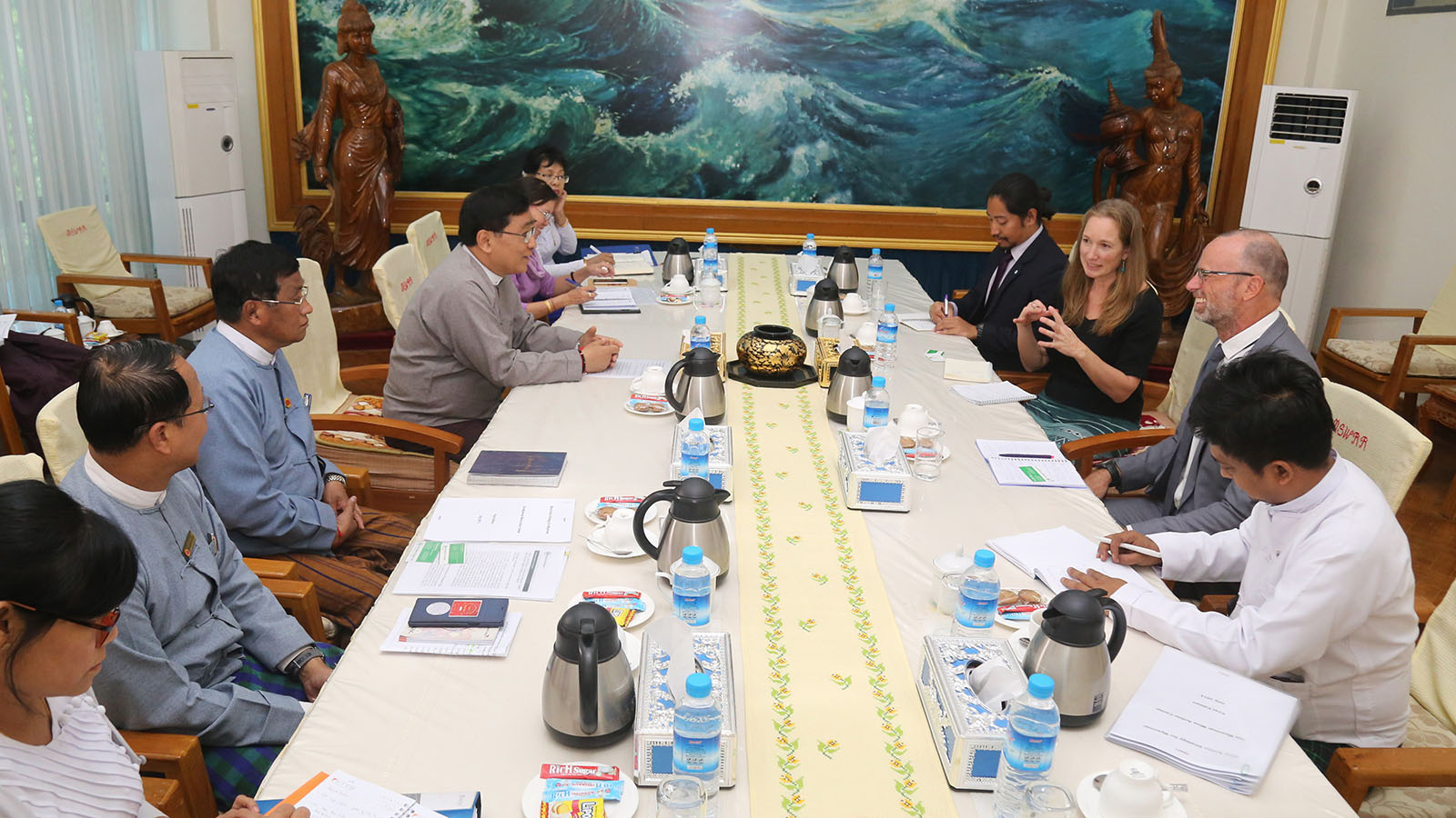 Union Minister for Social Welfare, Relief and Resettlement Dr Win Myat Aye holds talks with a delegation led by the NPA's Country Director Ms Marte Graff Jenssen in Nay Pyi Taw yesterday.Photo: MNA