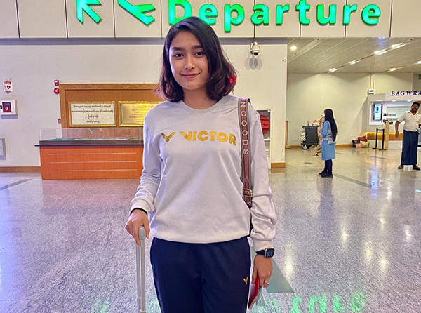 Thet Htar Thuzar seen at the Yangon International Airport before leaving for Kampala to compete in the Uganda International Badminton Series 2020.Photo: Thet Htar Thuzar's Facebook page