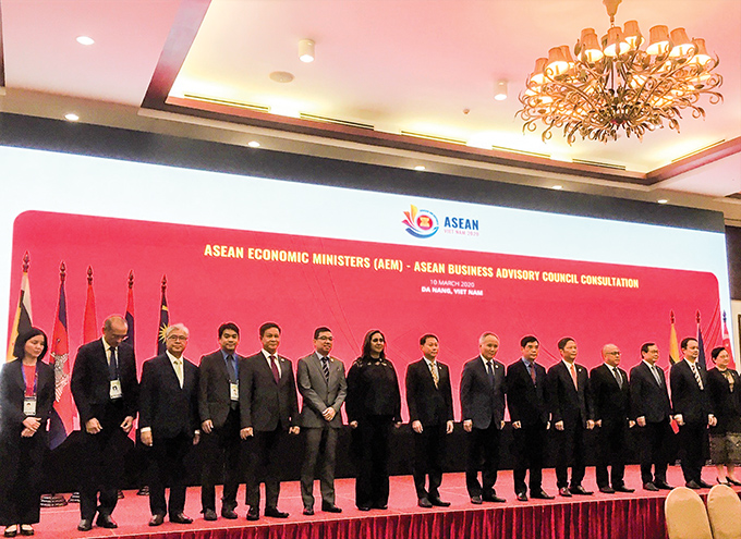 Deputy Minister U Aung Htoo attends the 26th ASEAN Economic Ministers Retreat Meeting in Danang, Viet Nam.Photo: MNA