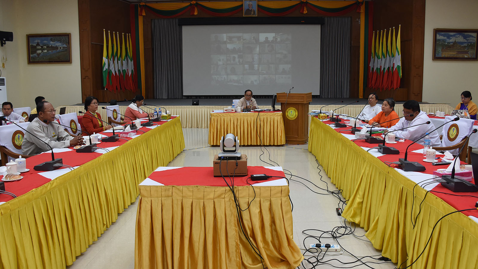 Union Minister Dr Myint Htwe attends the coordination meeting 39/2020 of the pandemic prevention central committee in Nay Pyi Taw yesterday.PHOTO: MNA