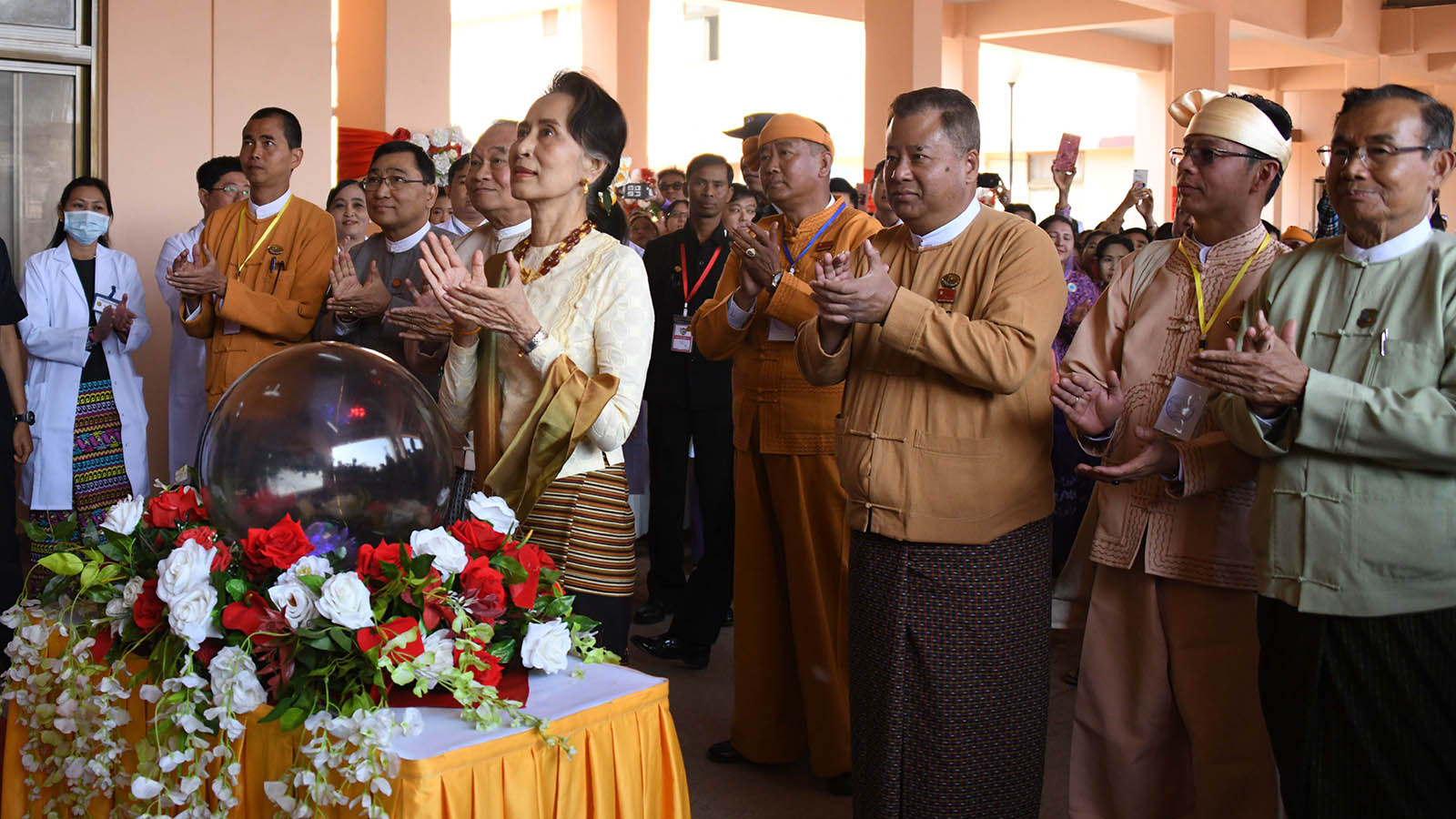State Counsellor Daw Aung San Suu Kyi unveils the upgraded phase of Lashio General Hospital yesterday. Photo: MNA