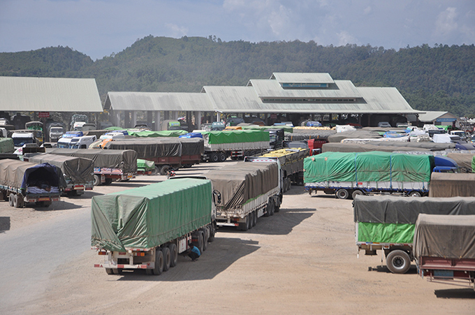 Trucks seen at 105-mile trade zone Muse, northern Shan State. Photo: Phoe Khwar