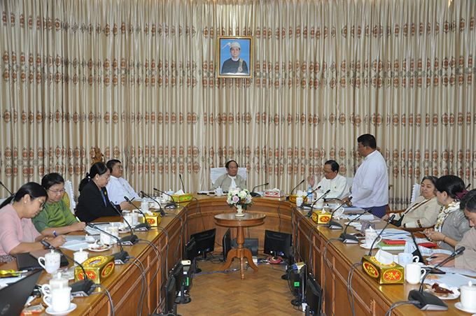 Union Minister Dr Myint Htwe attends  the coordination meeting on prevention of COVID-19 with the target of zero case and no death yesterday.Photo: MNA