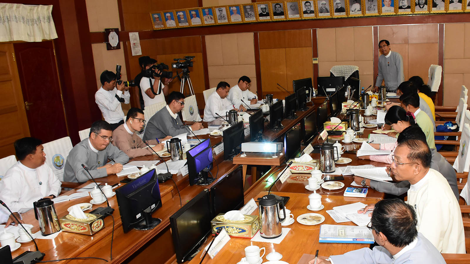 Chairman of the Central Committee for Drug Abuse Control's Public Awareness Committee, and Deputy Minister for Information U Aung Hla Tun deliveres the speech at the coordination meeting at the Ministry of Information in Nay Pyi Taw yesterday. Photo: MNA