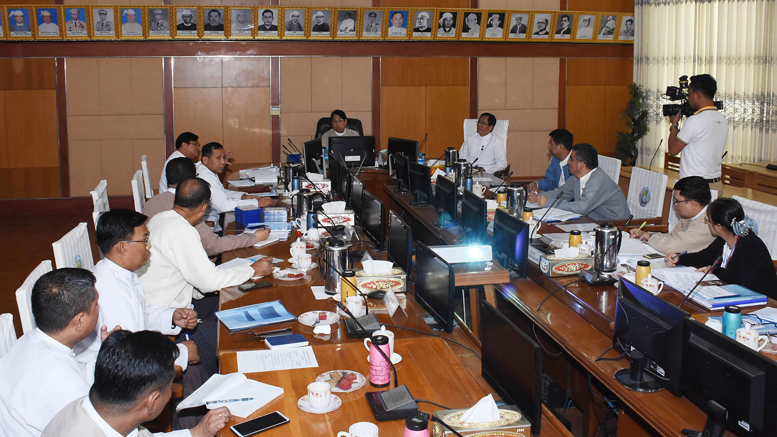 Union Minister Dr Pe Myint addresses the meeting to organize voter education programme at the Ministry of Information.Photo: MNA