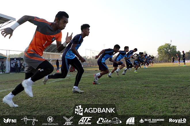 Players from Yangon United train at Waitharli Stadium in Sittway. Photo: YUFC