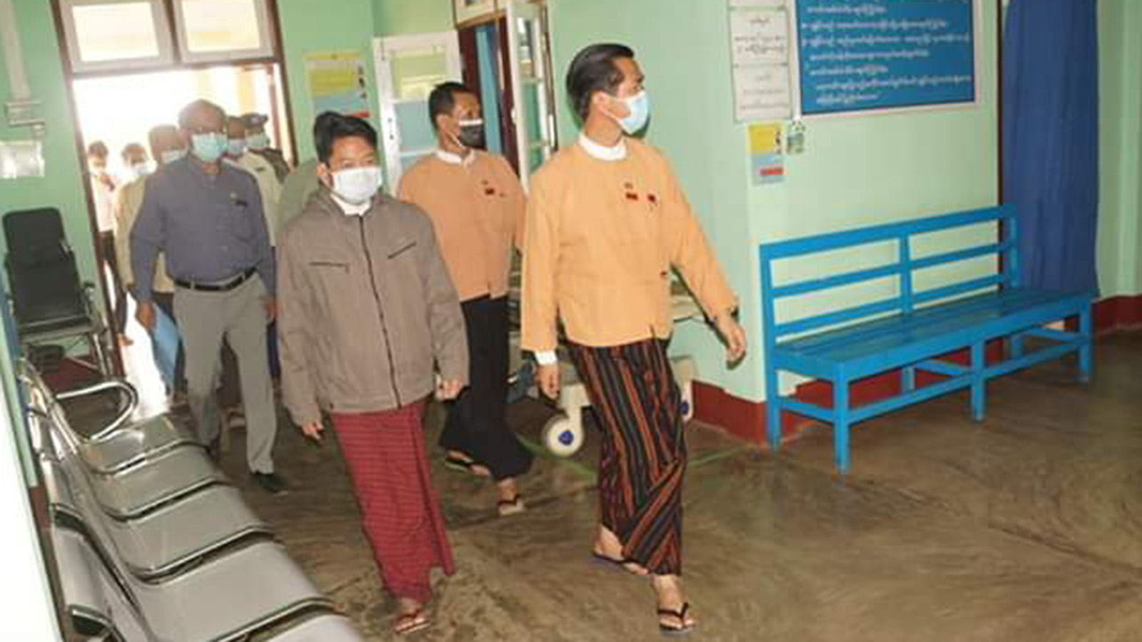 Kayah State Chief Minister L Phaung Sho inspects a health care facility in Kayah State. Photo: MNA