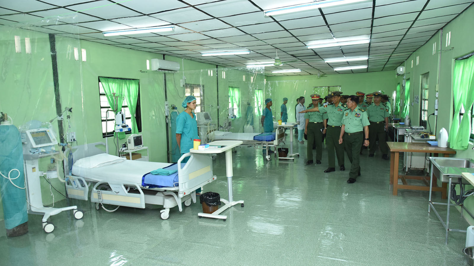 Senior General Min Aung Hlaing inspects preparation for quarantine services at a military hospital in Yangon. Photo: Office of the Commander-in-Chief of Defence Services