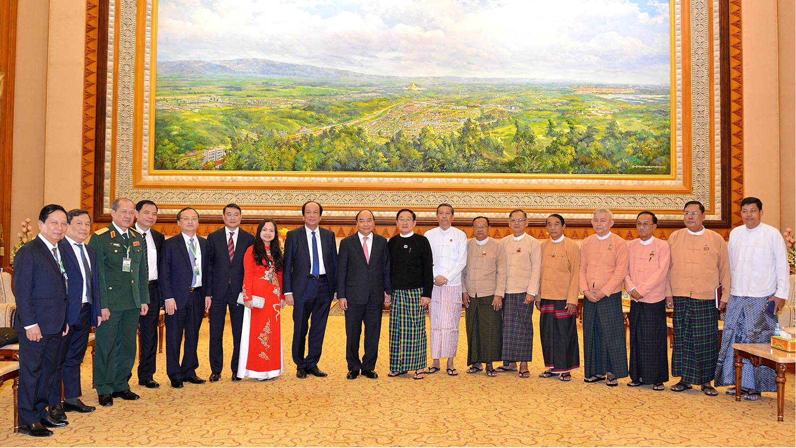 Pyithu Hluttaw Speaker U T Khun Myat and delegation pose for a documentary photo with Prime Minister of Viet Nam, Mr Nguyen Xuan Phuc at the Hluttaw Building in Nay Pyi Taw on 17 December, 2019.